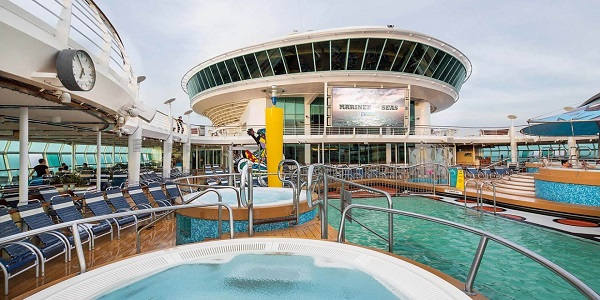 Pool Deck Royal Caribbean Adventure of the Seas