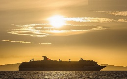 Cruise Lines Extend Pause